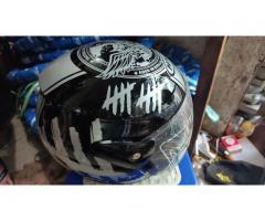 Helm Motor Berbagai Motif
